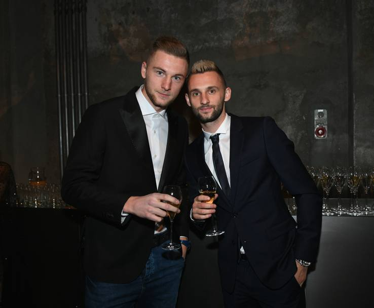 Milan Skriniar e Marcelo Brozovic alla cena di Natale dell'Inter. Getty
