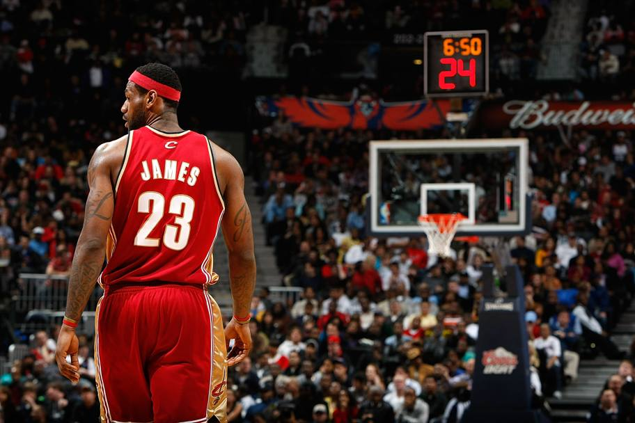In maglia rossa dei Cleveland Cavaliers (Afp)