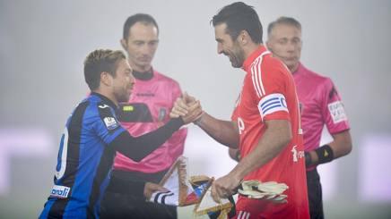 Gomez e Buffon. Getty Images