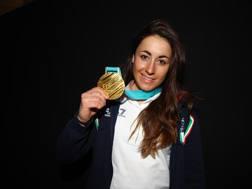 Sofia Goggia con la medaglia d'oro. Ap