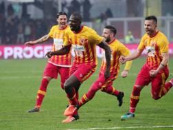 Diabaté festeggia il 3-2 sul Crotone. Getty Images