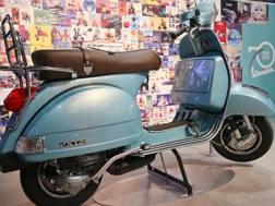 Una Vespa PX125
