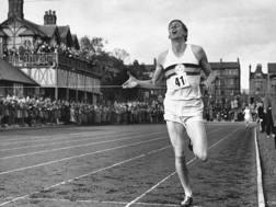 Roger Bannister poco prima del record del 1954. Getty