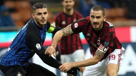 Mauro Icardi contro Leonardo Bonucci nel derby di andata tra Inter e Milan. Ansa