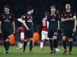 Tutta la delusione dei giocatori del Milan a fine gara. LaPresse