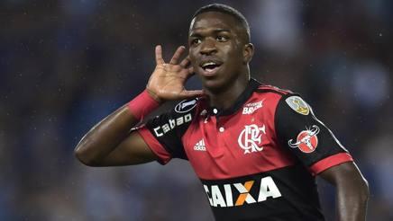Vinicius Junior, doppietta all'esordio in Copa Libertadores con il Flamengo. Afp