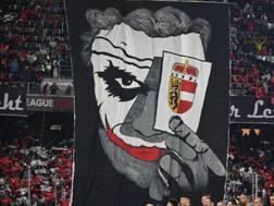 I tifosi del Salisburgo nel match col Borussia Dortmund. Epa