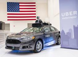 Un'auto Uber a guida autonoma. Afp