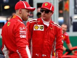 Vettel e Raikkonen pensierosi dopo la qualifica. Getty