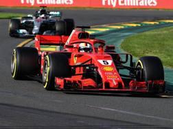 Vettel davanti a Hamilton in Australia. Getty