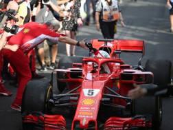 Sebastian Vettel complimentato da Arrivabene. Lapresse