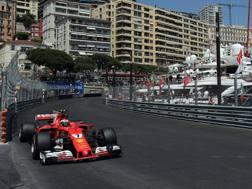 La Ferrari di Raikkonen in azione a Montecarlo. Lapresse