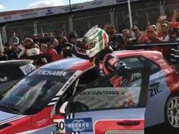 Tarquini esulta per la vittoria in Marocco