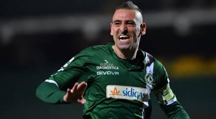 L'esultanza del centravanti dell'Avellino Gigi Castaldo, 35 anni. LaPresse
