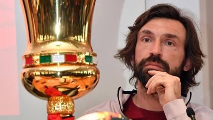 Andrea Pirlo, 38 anni, con  la Coppa Italia. Ansa