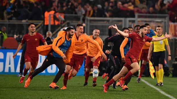 Manolas di testa: la Roma è in semifinale. LaPresse