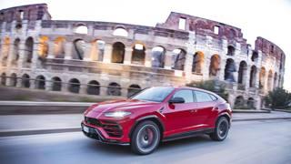 Lamborghini, il super SUV Urus fa il giro del mondo