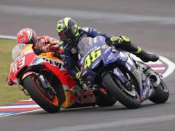 L'entrata fallosa di Marquez su Rossi in Argentina. Epa