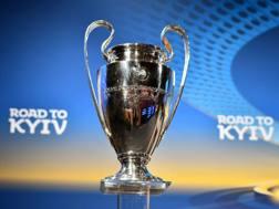 Il trofeo della Champions League.