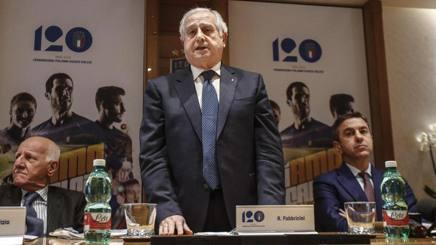 Il commissario della Figc Roberto Fabbricini. Ansa
