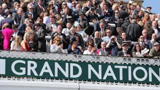 Dopo 30 anni tre fantine al Grand National