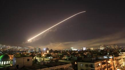 La caduta di un missile su Damasco. Ap