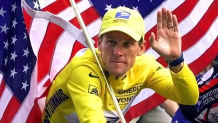 Lance Armstrong, ora 46 anni, ha vinto sette Tour de France consecutivi, dal 1999 al 2005, tutti revocati per doping