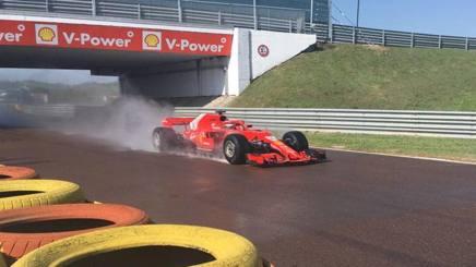 Antonio Giovinazzi in azione sulla Ferrari a Fiorano
