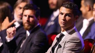 Cristiano Ronaldo, 33 anni, e, sullo sfondo, Leo Messi, 30. Afp