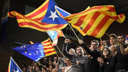 Indipendentisti catalani in piazza. Getty Images
