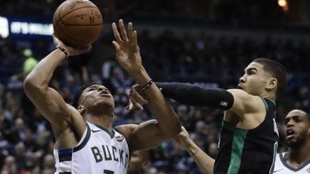 Giannis Antetokounmpo, decisivo per la vittoria dei Bucks sui Celtics. Ap