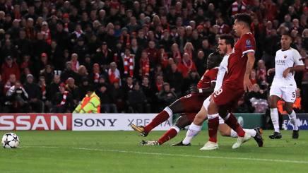 Il terzo gol dei Reds è viziato da un fuorigioco di Salah.