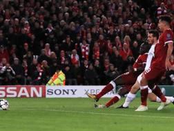 Il terzo gol dei Reds siglato da Mané è viziato da un fuorigioco di Salah.