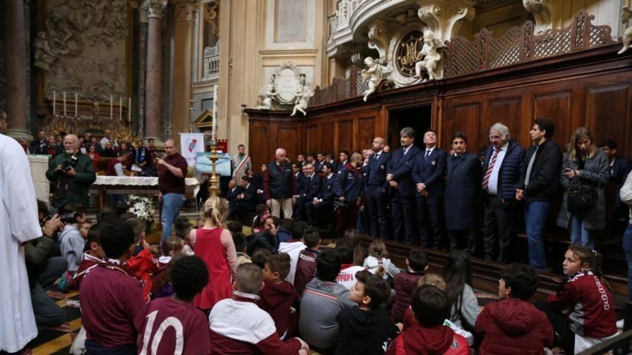 Lacrime per il Grande Torino 69 anni dopo, il mito vive