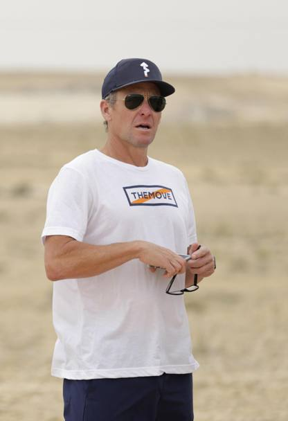 Lance Armstrong assiste alla tappa EPA