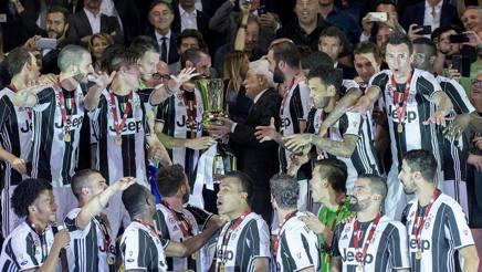 Il Presidente della Repubblica Mattarella premia la Juve, vincitrice della Coppa Italia 2016-2017.