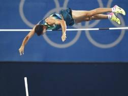 Thiago Braz da Silva salta 6.03 a Rio 2016. Epa