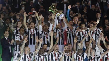 La festa bianconera con la Coppa Italia. Ap