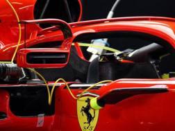 Ferrari in Spagna con specchietti ancorati all'Halo e profilo alare ulteriore