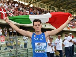 Tortu dopo l'oro agli Europei Juniores 2017 di Grosseto GETTY