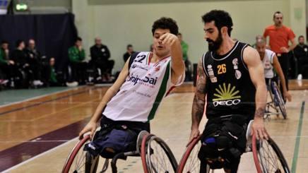 Filippo Carossino contro Simone De Maggi (dx)