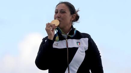 Diana Bacosi con l'oro di Rio. Getty