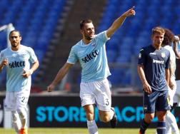 Stefan de Vrij dopo il gol segnato alla Sampdoria domenica scorsa. Ansa