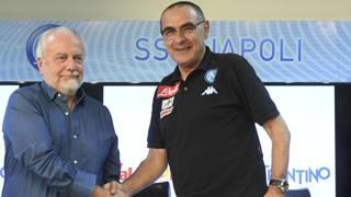 Aurelio De Laurentiis, presidente del Napoli, e Maurizio Sarri, tecnico azzurro. Ansa