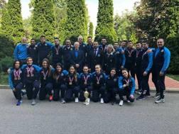 Foto di gruppo per la Nazionale di karate dopo gli Europei