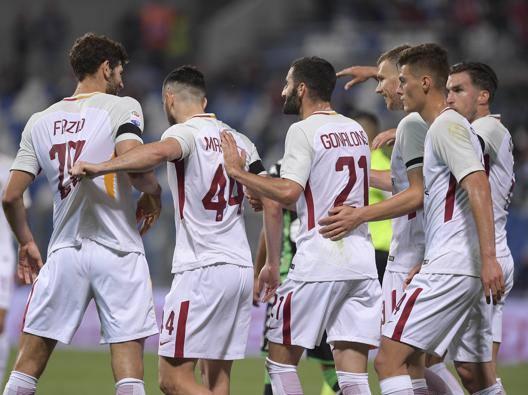 Roma terza con merito Un autogol batte il Sassuolo