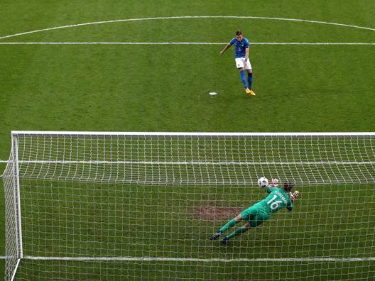 Italia beffata ai rigori (3-6) L'Olanda vince l'Europeo