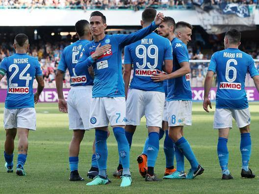 Storico Napoli: fa 91 punti Ciao Crotone, Zenga è in B