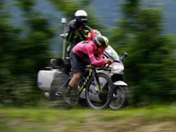 Simon Yates, 25 anni, lungo la crono Trento-Rovereto. Afp