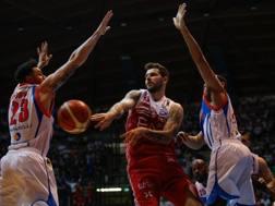 Vlado Micov, 32 anni, in azione durante la serie playoff contro Cantù CIAMILLO
